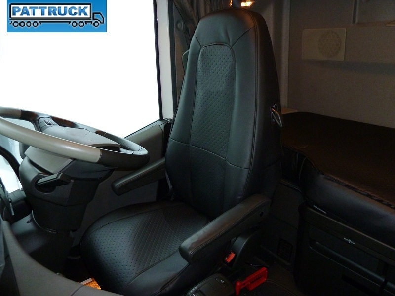 VOLVO FH 4 2013 2015 BLACK PAIR OF TRUCK SEAT COVER ECO
